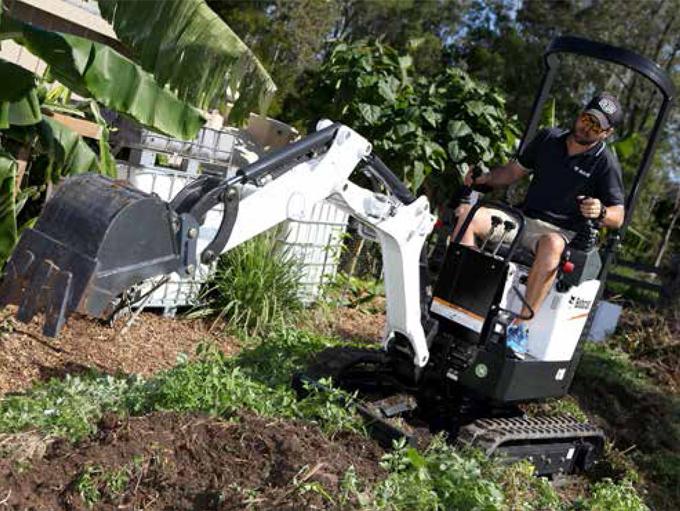 Clark Equipment - Bobcat 418 Excavator